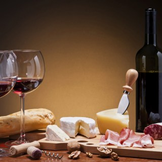 Some Classic  Pairings of Foods With Red Wines