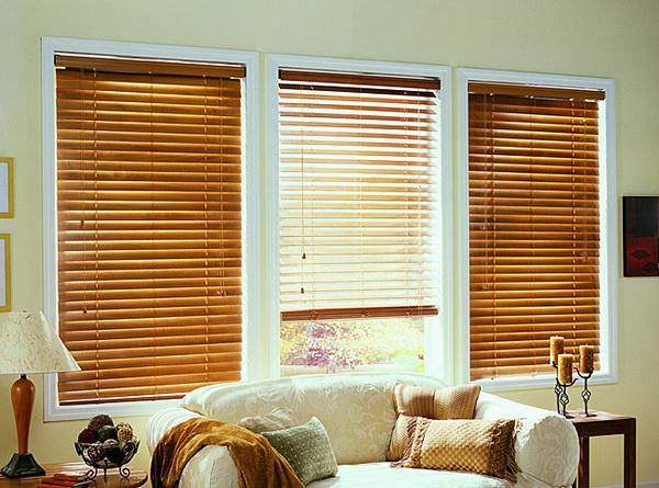 Golden-Oak-Wooden-Blinds-for-Windows