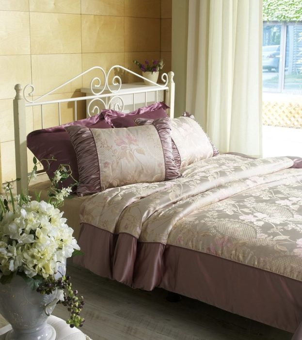 How to Redesign Your Bedroom on a Low Budget