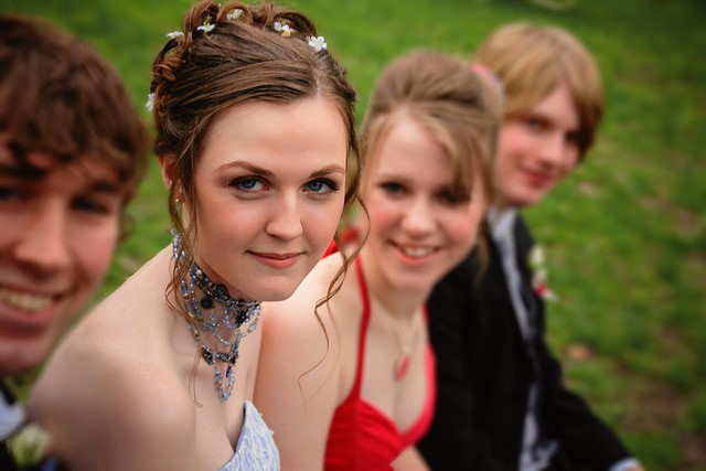 Fashion and Beauty Tips for Prom Night