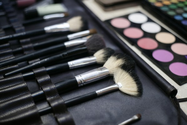 Tips to Get Ahead in the Makeup Industry