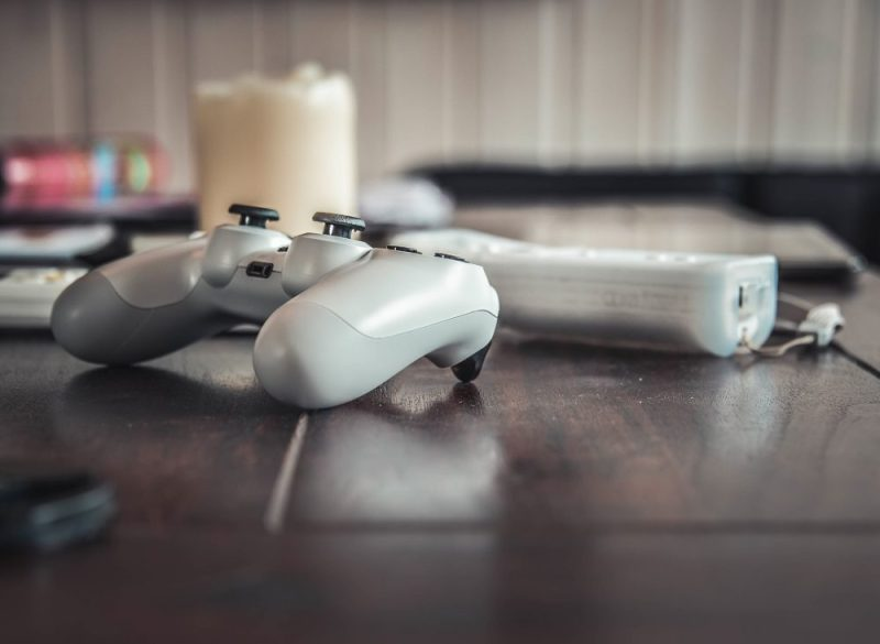 4 Reason You Should Give Mobile & Online Gaming A Try
