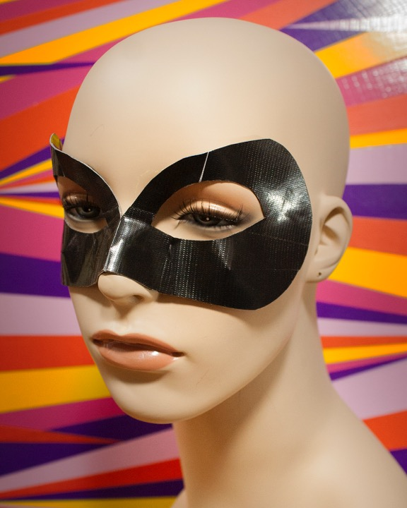 DIY Project: Masks 3 Looks #ducktape