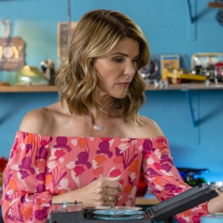 """Tune-in to Hallmark Movies & Mysteries """"Garage Sale Mystery: A Case of Murder"""" this Sunday, August 27th at 9pm/8c! #SLEUTHERS"""