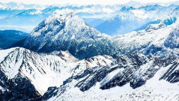 Fight the Winter Blues on Your Skis on the Amazing Alps