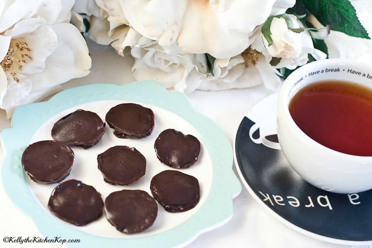 Easy Homemade Chocolate Candy with Coconut Oil