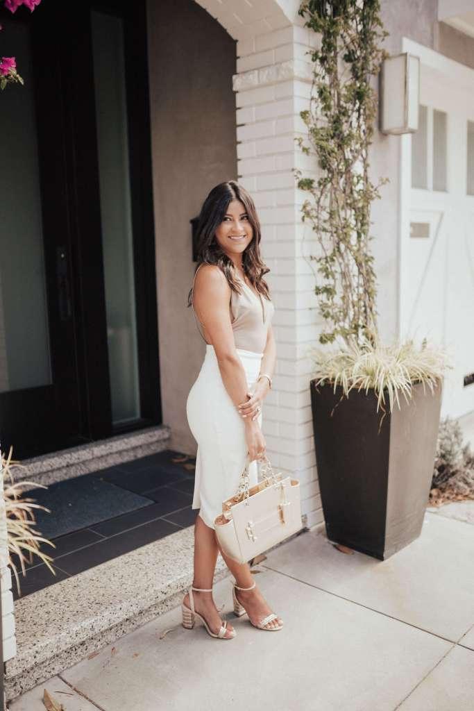 Life style blogger Kelsey Kaplan of Kelsey Kaplan Fashion wearing Rose Gold Aldo Sandals