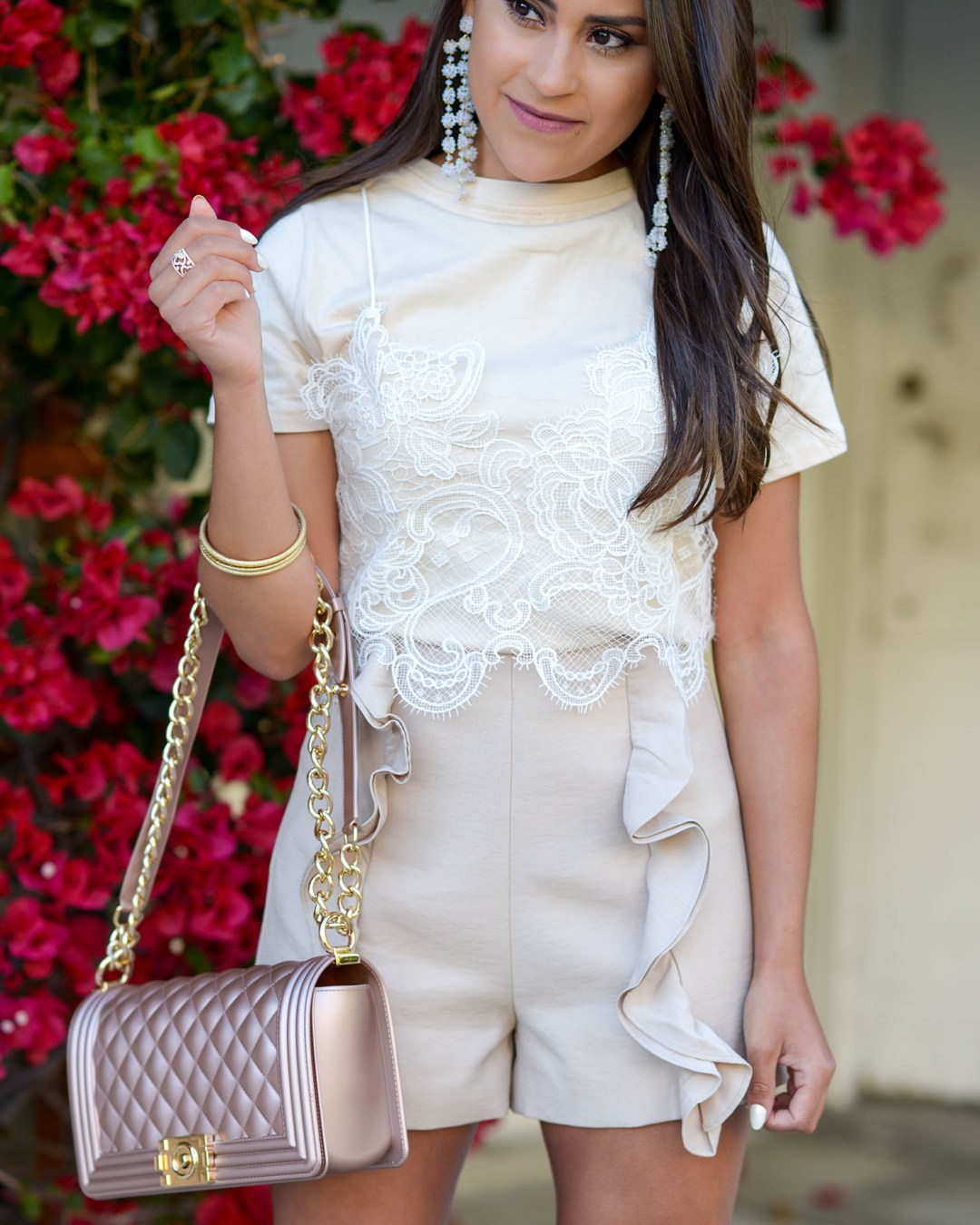 Lifestyle blogger Kelsey Kaplan of Kelsey Kaplan Fashion wearing monochrome outfit and Stuart Weitzman Rosist Sandals