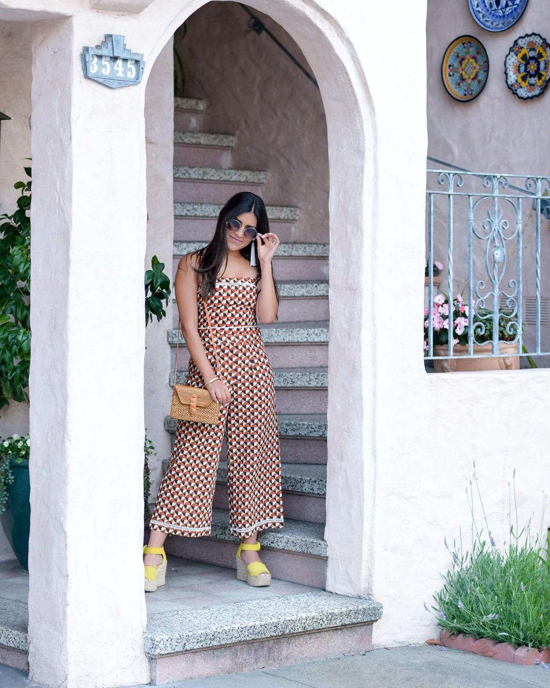 Lifestyle blogger Kelsey Kaplan of Kelsey Kaplan Fashion wearing Marc Fisher wedges and rattan purse
