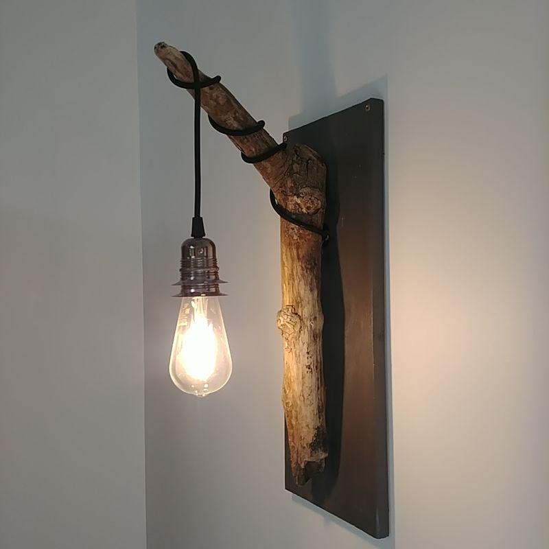 kelvin et lumen luminaires appliques bois flotté douille métal perle noire cordon noir pailleté entrée séjour salon chambre salle de bains bar-restaurant