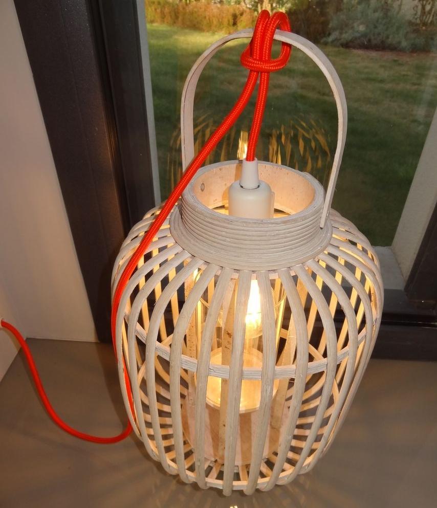 kelvin et lumen luminaires lampes à poser douille interrupteur cordon orange chambre séjour entrée salon