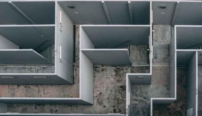 gray wooden maze