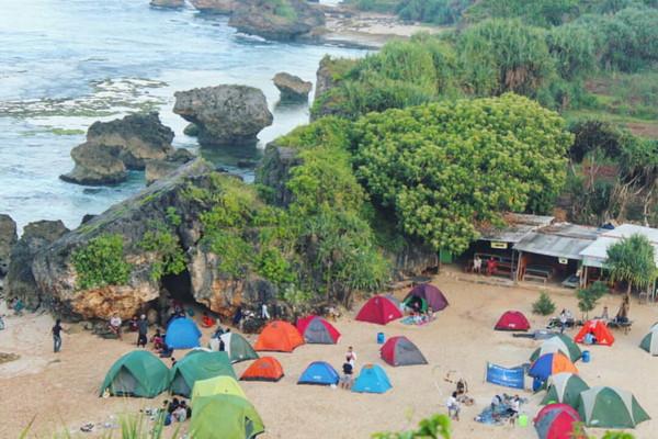Camping Di Bukit Kosakora