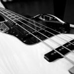 ベースの弦の交換時期はどのくらい?定期的な張り換えのメリット