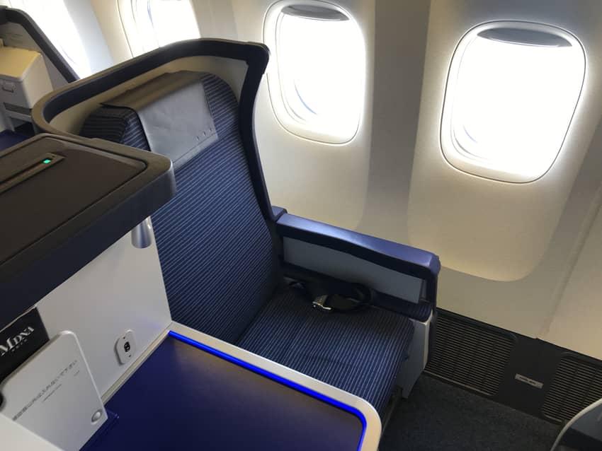 ANA2176便のビジネスクラスシート
