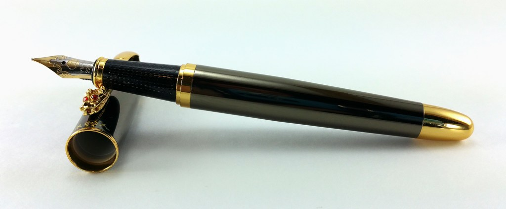Yiren 860 Fountain Pen Uncapped
