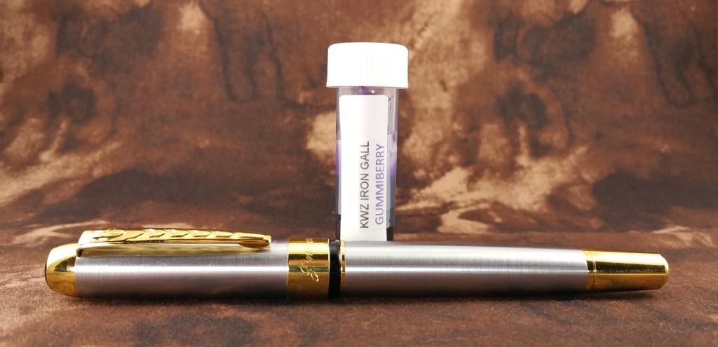 KWZ Gummiberry Iron Gall ink vs. Jinhao 250 fountain pen