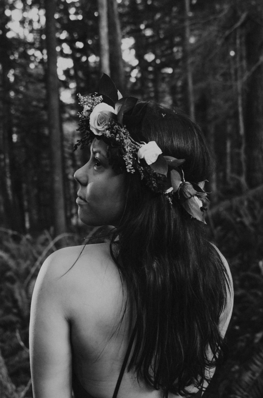 boudoir, seattle-boudoir, seattle-boudoir-photographer, boudoir-photographer, boudoir-photography, boudoir-session, boudoir-photos, wallace-falls-washington, wallace-falls, forest, outdoor-boudoir, naked-in-the-woods, trees, evergreen-trees, ferns, flower-crown, headpiece,