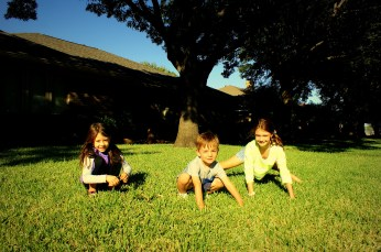 Cousins: Olivia, Hayes and Isabell in Dallas. Photo/Kendra Yost
