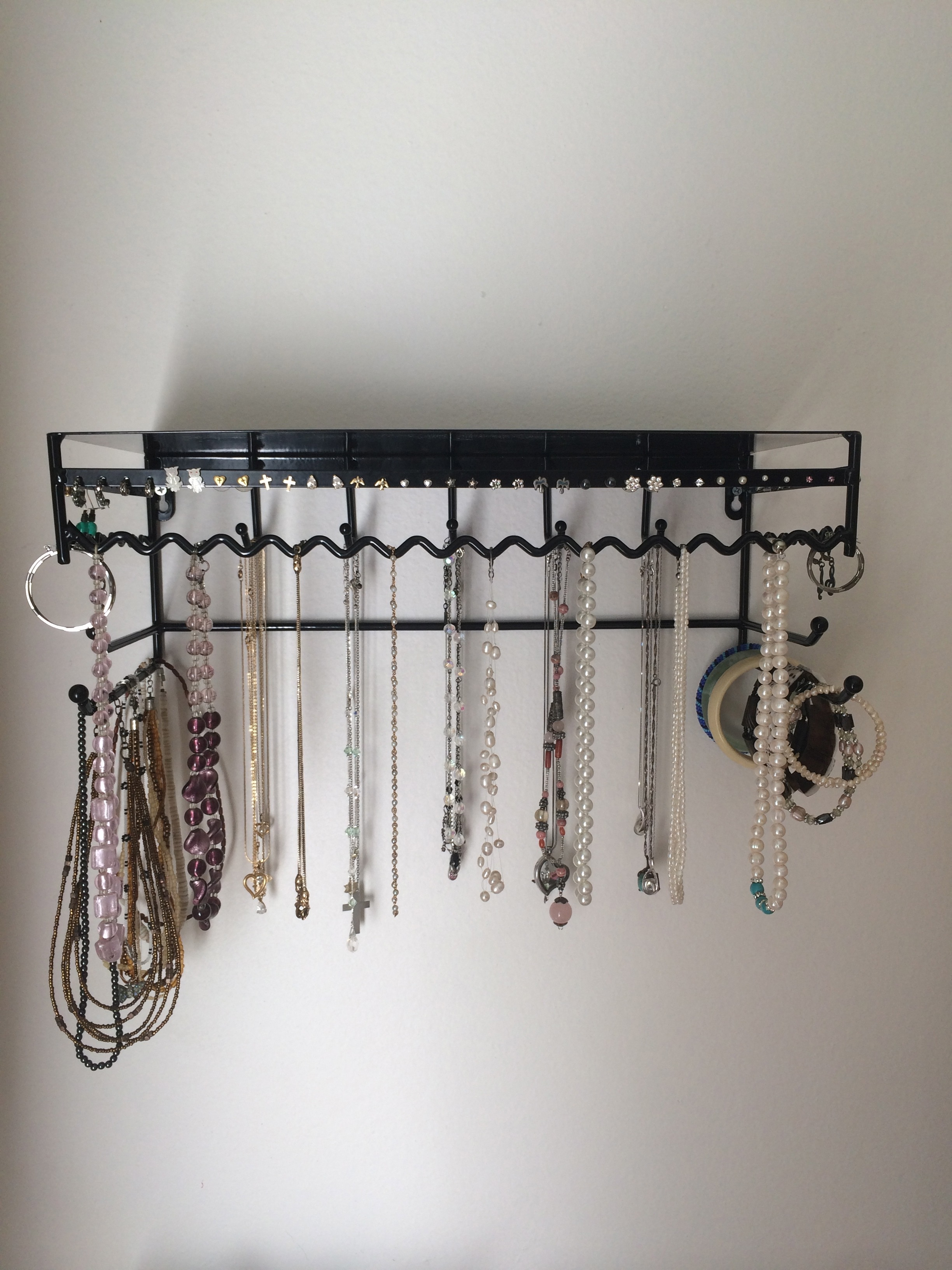 Wall Mount Jewelry Organizer // Product Review