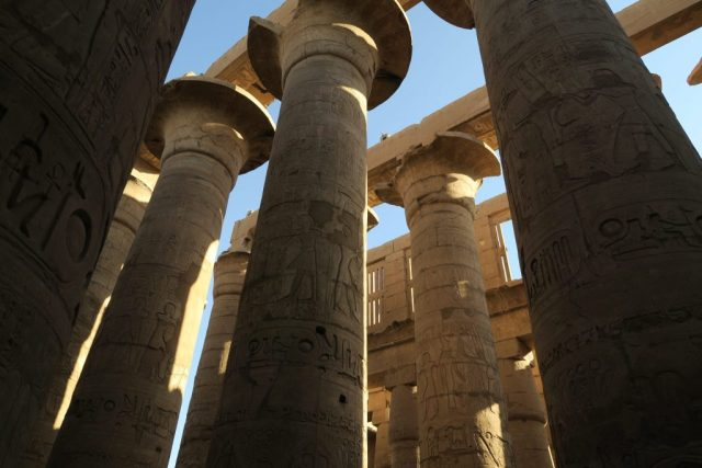 temple-of-karnak-pillars
