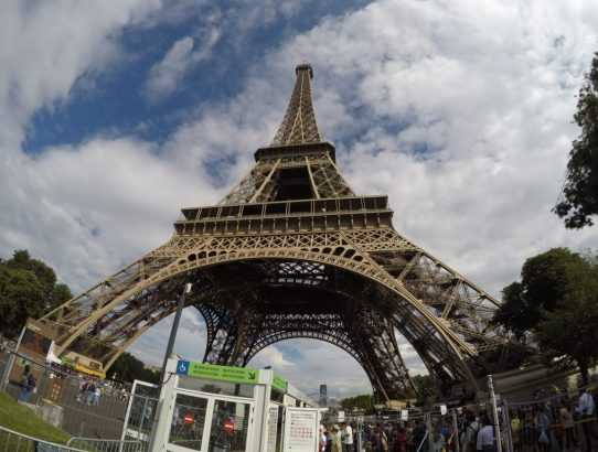 5 Reasons Why I Think Paris France is Such a Popular Tourist Destination