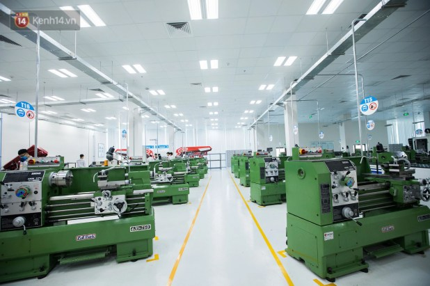 Photo: Visiting the modern workshop of the VinFast Smart Electric Motor Factory - Photo 3.