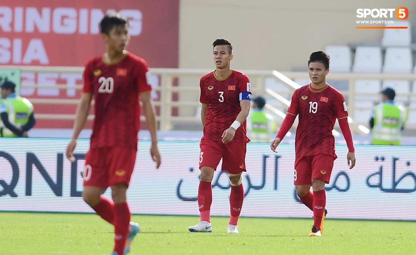 Quang Hải hét lớn, hô hào đồng đội đứng dậy sau bàn thua - Ảnh 6.