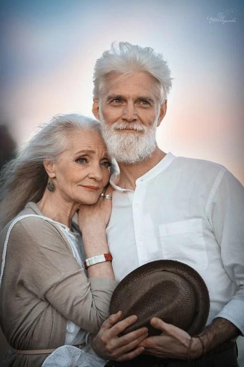 Bộ ảnh Tình yêu vượt thời gian của cặp vợ chồng già khiến ai cũng thầm mơ về một mối tình trọn đời như thế - Ảnh 1.