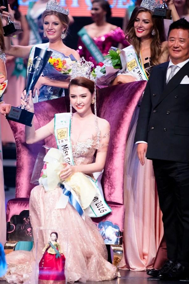 Lặng lẽ đi thi, đại diện Việt Nam - Ngọc Duyên bất ngờ đăng quang Miss Global Beauty Queen 2016 - Ảnh 4.