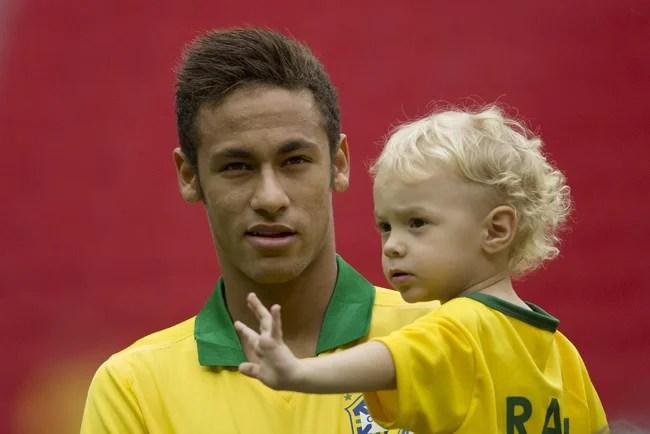 Neymar bị phát hiện quỵt tiền sinh bé Davi Lucca dù giàu nứt đố đổ vách - Ảnh 1.