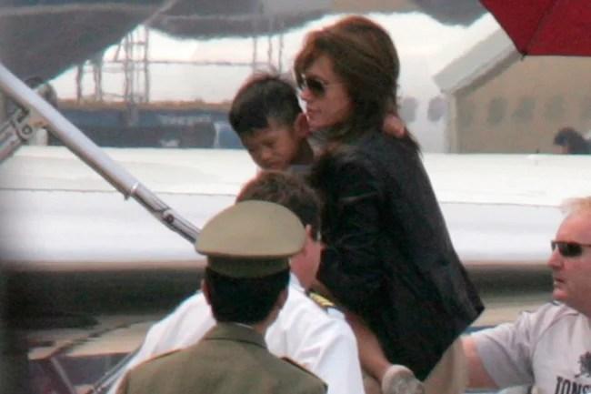 Rộ tin mẹ ruột của Pax Thiên muốn Angelina Jolie trả lại con - Ảnh 2.