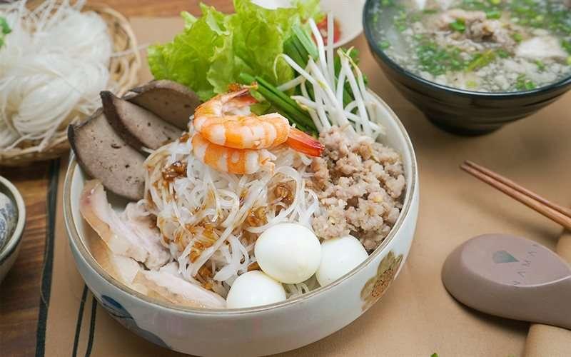 """Top 20 quán hủ tiếu Sài Gòn ngon khó cưỡng """"ăn 1 tô gọi thêm tô nữa"""""""