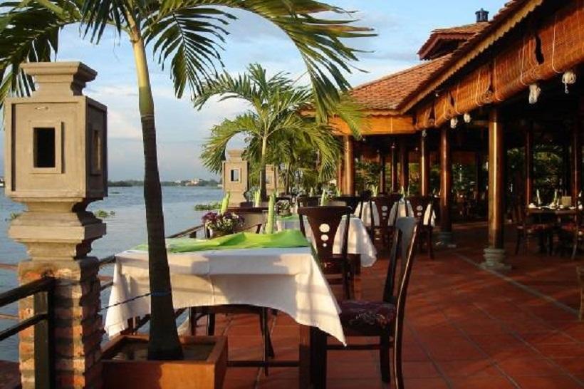 Top 10 nhà hàng ven sông có view đẹp và ngon nhất Sài Gòn - TP HCM
