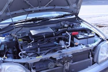 車のエンジンかけっぱなしはバッテリーが減る?上がる理由