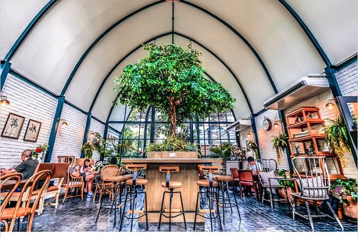 泰國曼谷咖啡廳   LAFF Cafe (On Nut站)-曼谷森林系玻璃屋咖啡廳,教堂式裝潢好好拍,餐點也不錯吃。