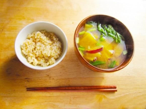 社会人の一人暮らしの食事は太る?ダイエットに寝かせ玄米!