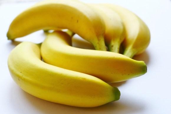 バナナが輸入される時は緑色?!熟し具合で味も栄養も変わる