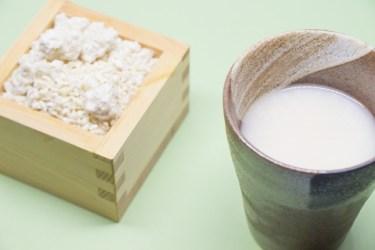 甘酒に含まれる麹の効能とは?ビタミンなどの栄養価にも注目