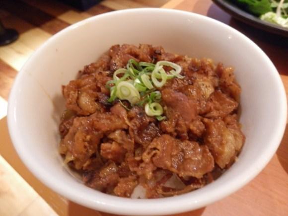簡単!味噌豚丼の基本レシピと人気アレンジのご紹介