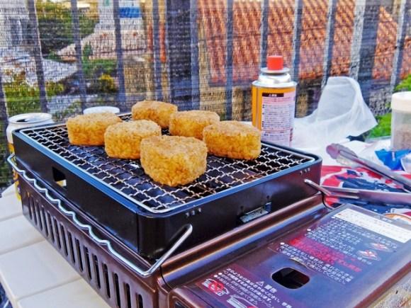 BBQでもがっつり食べたい!焼きおにぎりを味噌や醤油味で