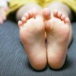 足の裏のツボが痛い!原因やマッサージのコツについて