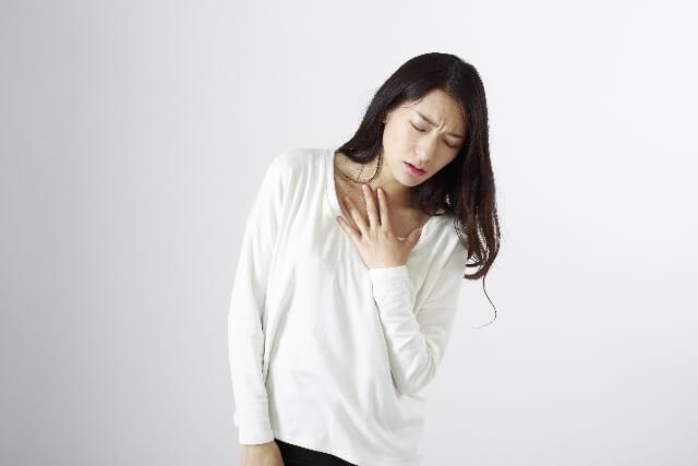 心臓が痛い症状や動悸など 朝起きると痛む原因とは?