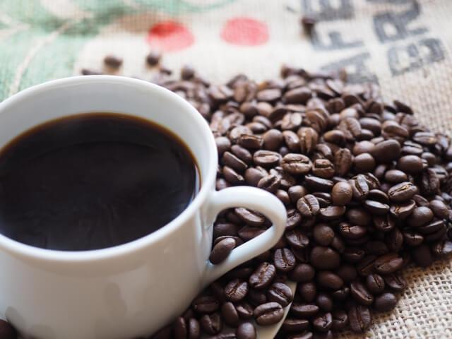 コーヒーも今や健康飲料?何杯までなら効果があるの?