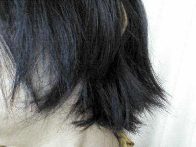 朝になると髪がパサパサ