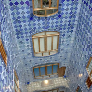 Casa Batlló central light well