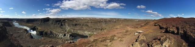 Vattenfallet Hafragilsfoss med omgivningar.