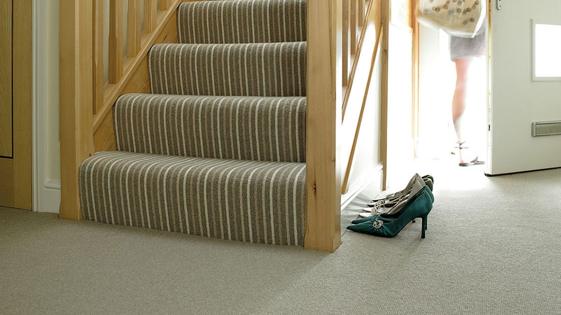 5 Useful Tips On How To Choose The Right Carpet For Your Stairs   Carpet For Stairs And Landing   Textured   Patterned   Silver   Neutral   Hardwood