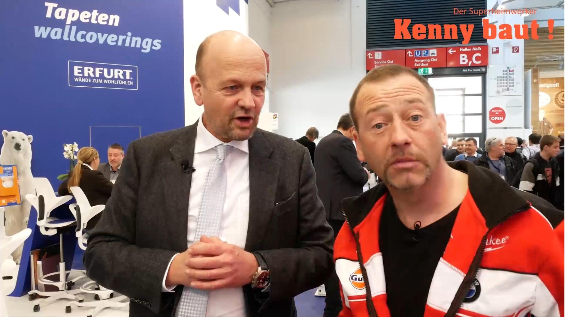 Kenny staunt! Erfurter Rauhfaser Tapete für Malermeister und Profis