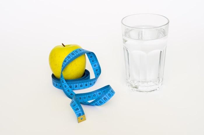 体重が増えたことに悩む